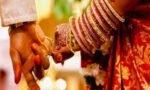 अजब गजब : इस शादी में पूरे गांव में नहीं जला चूल्हा, बारात में सबसे आगे नाच रहा था बेटा…